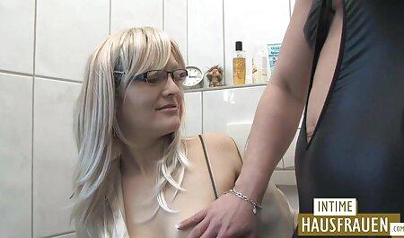 Femme se wc porn gay masturbe devant sa webcam taquinant Stranges